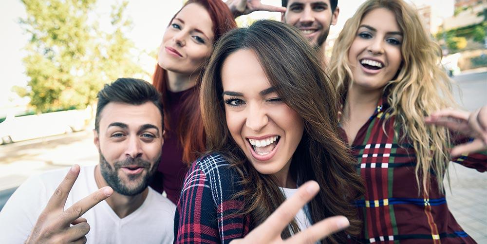 amigos aprendiendo español en Granada